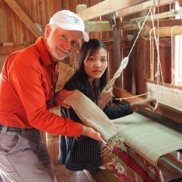 myanmar inle lake lotus and silk weaving lotus scarf and loom