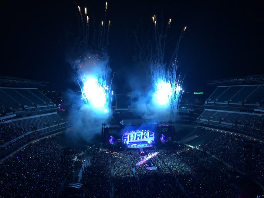 taylor swift 1989 world tour philadelphia concert shake it off finale