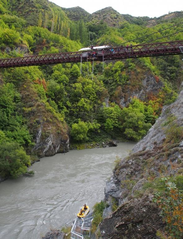 kawarau-bridge-bungy-jump8
